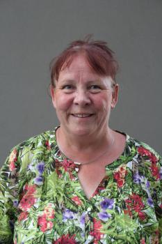Frau Karen Oehler